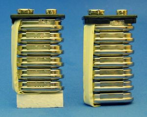 nine_volt_batteries.jpg (16922 bytes)